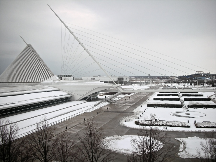 milwaukee art museum in winter