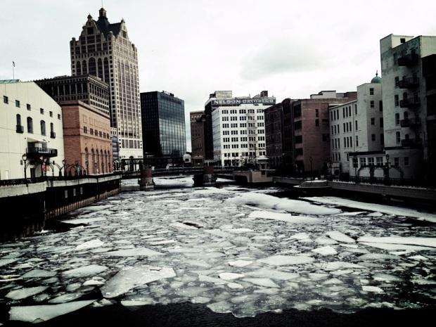 ice melting milwaukee