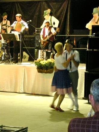 oktoberfest couple dancing