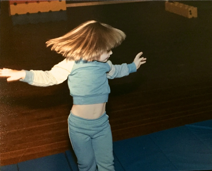Rockin' the velour and Dorothy Hamill haircut. So stylish.