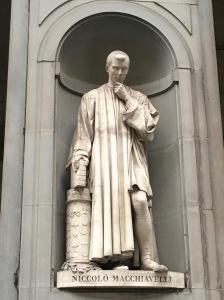 macchiavelli statue