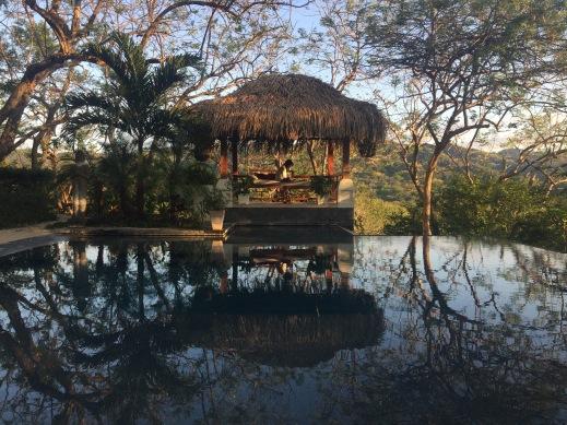ahki-retreat-pool