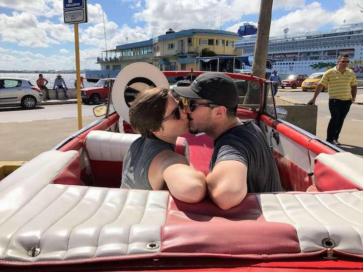 kisses in havana